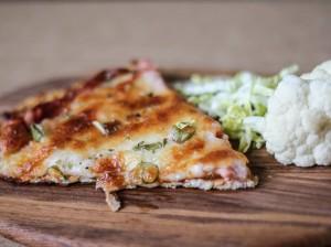 Nem mad - sund pizza med blomkål som bund