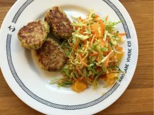 Kålsalat med spidskål, appelsin og chiafrø, Nem mad , Svinningegård , Nem mad med kål