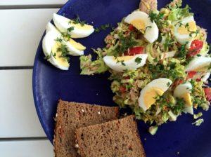 Nem mad - Nem kålsalat med tun, æg & kinakål