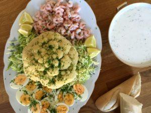 Nem mad - Nem anretning med blomkål, rejer, salatkål & æg