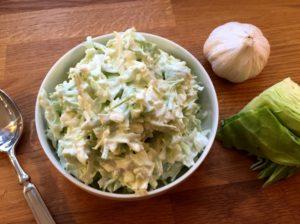 Nem mad - Nem tzatziki med salatkål eller spidskål