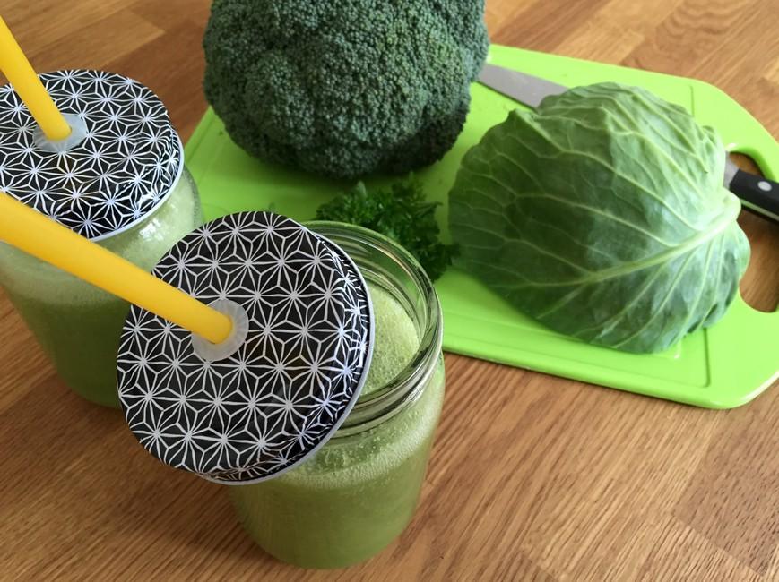 Nem mad - Nem juice med kål - salatkål, broccoli, æbler & persille